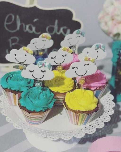 Cupcake Chuva de Amor: Decorado com chantilly