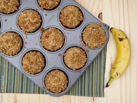 Veja como assar os cupcakes de banana com aveia