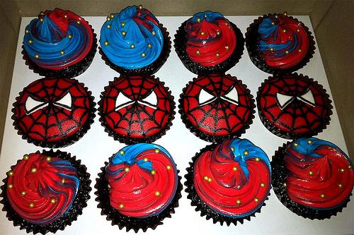 São várias referências o herói para decorar seu cupcake
