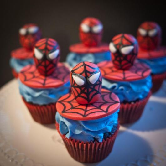Cupcake Homem-Aranha personalizado
