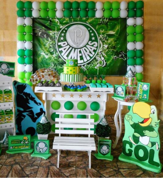 Você também pode criar uma decoração do Palmeiras mais simples e intimista