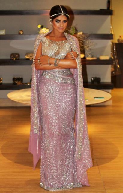 Fantasia indiana feminina lilás