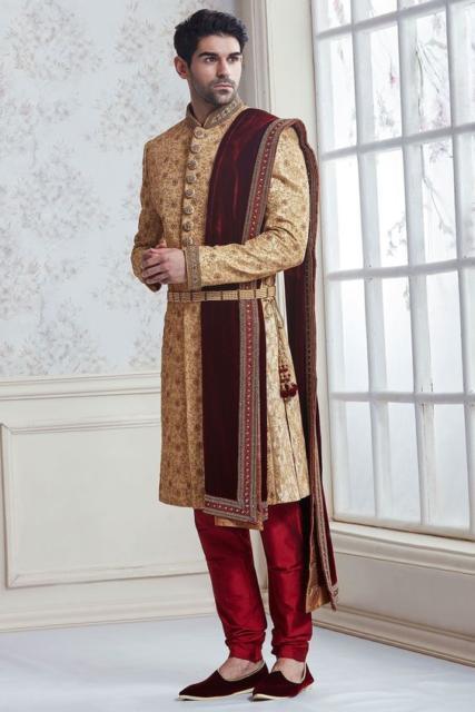 Fantasia indiana masculina dourada