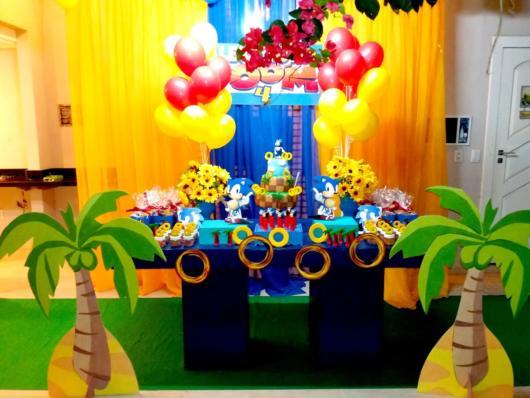 Os anéis sempre têm destaque em muitos modelos de festa Sonic