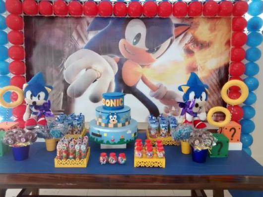 Um lindo painel desenhado com o Sonic em destaque