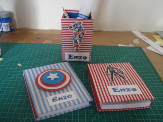 Agenda/caderno do Capitão América + porta-lápis