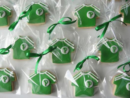 Biscoitos com molde do uniforme do Palmeiras