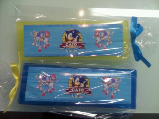 Um kit higiene para as crianças levarem à escola, ao clube ou demais locais