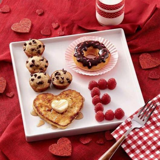 Surpresa de 1 ano de namoro simples: Café da manhã