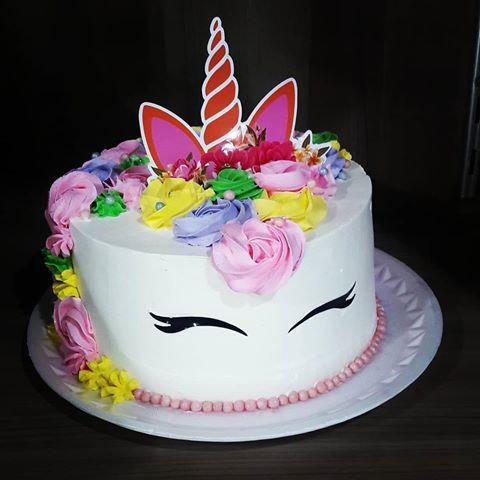 bolo simples decorado