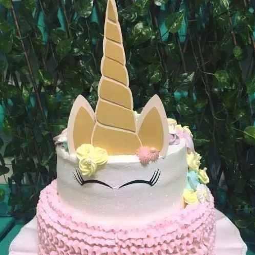 bolo de 2 andares rosa