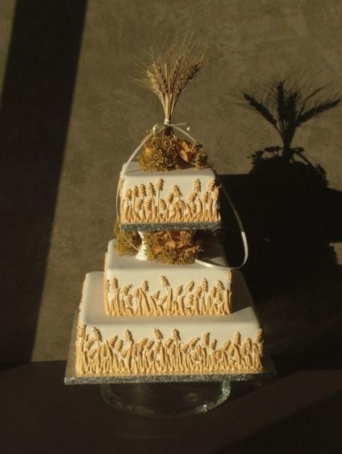 Bodas de Trigo: Bolo decorado com apliques de trigo