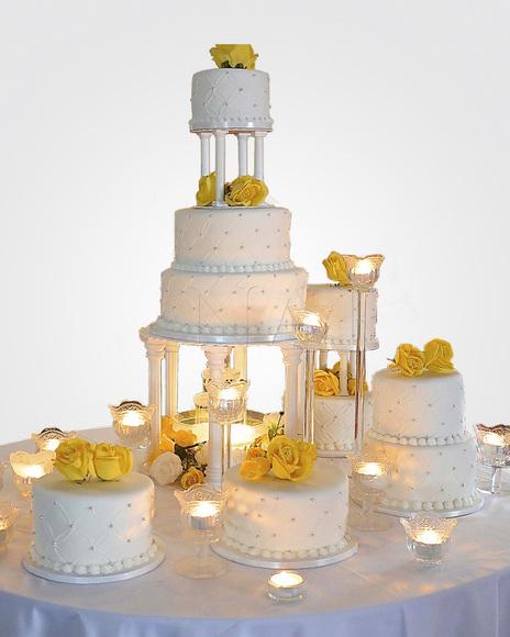 bolo de bodas de prata com rosas amarelas