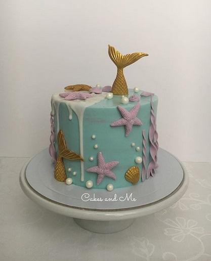 bolo azul e dourado