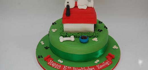 bolo snoopy verde de aniversário