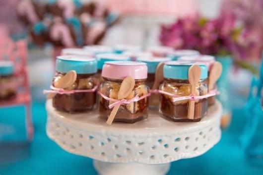 Chá Revelação: Lembrancinha com potinho de doce