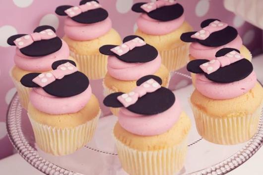 cupcake minnie rosa com ganache