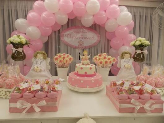 decoração simples rosa e branco