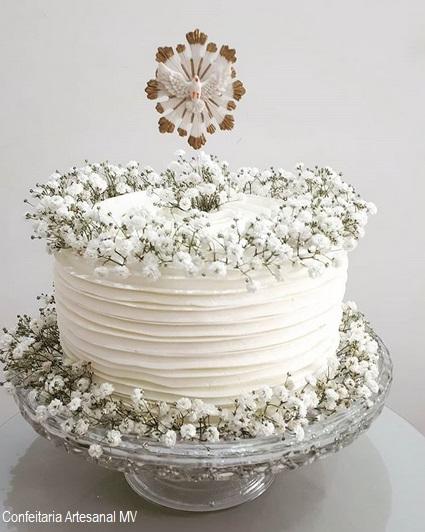 bolo decorado com flores
