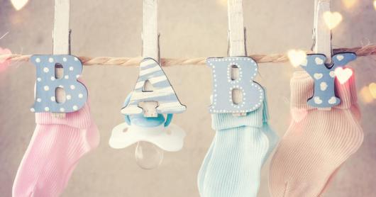 Enfeites para chá de bebê simples: Varal de meias