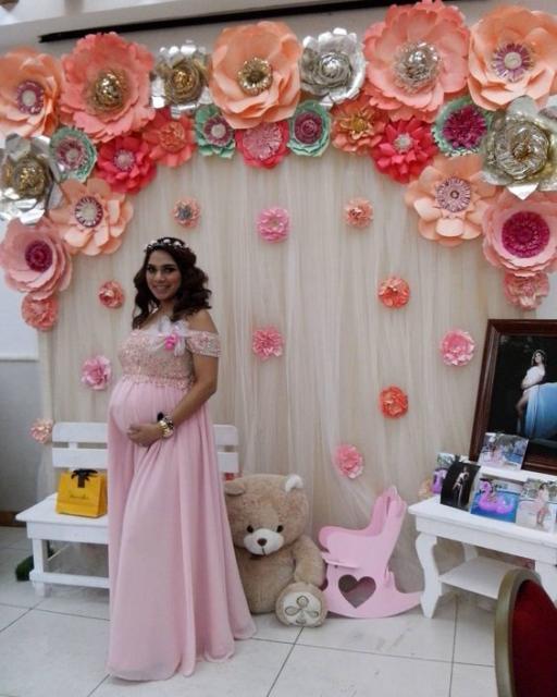Enfeites para chá de bebê: Flores de papel