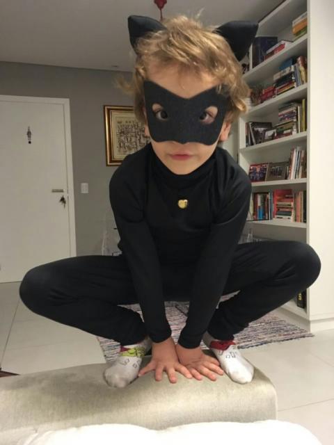 fantasia cat noir para crianças
