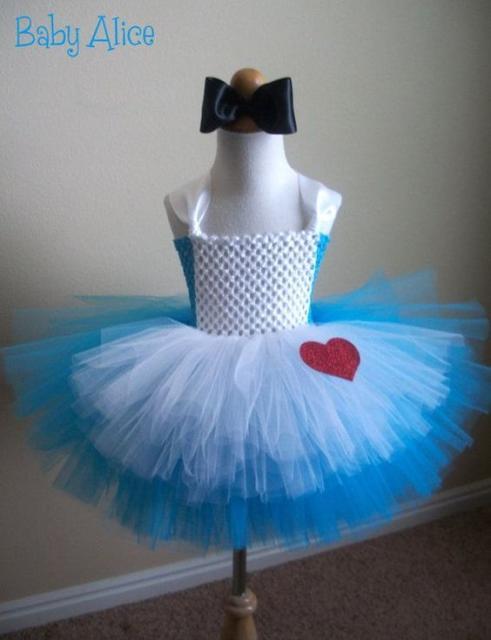 Fantasia com saia de tule infantil: Alice no País das Maravilhas