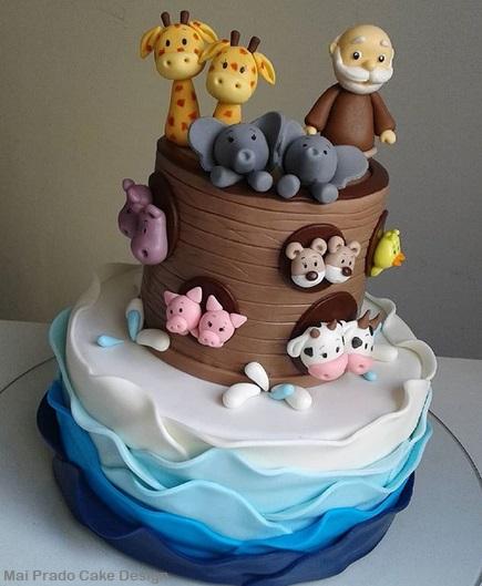Bolo criativo com a Arca de Noé e o mar
