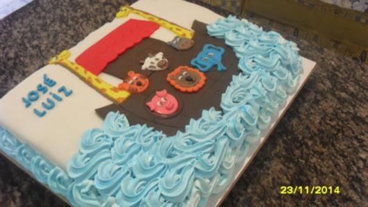 Dica de decoração de chantilly colorido para bolo arca de noé