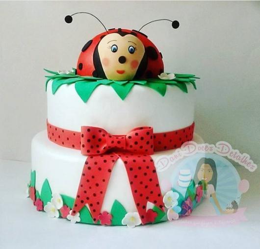 bolo decorado com EVA