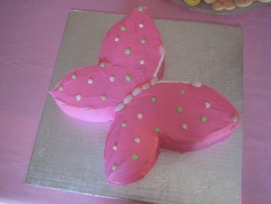 Bolo de borboleta: Com chantilly em formato de borboleta