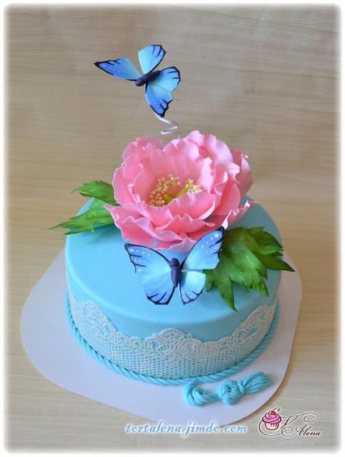 Bolo de borboleta: Com pasta americana azul
