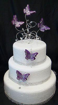 Bolo de borboleta: Fake branco com corboletas roxas