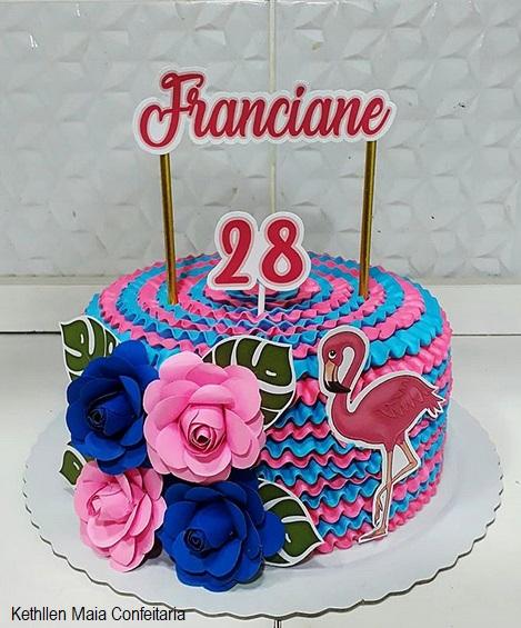 bolo decorado chantilly