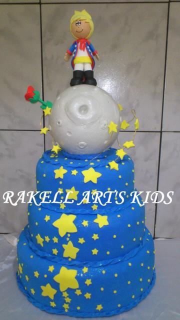 Bolo Pequeno Príncipe cenográfico com topo de bolo