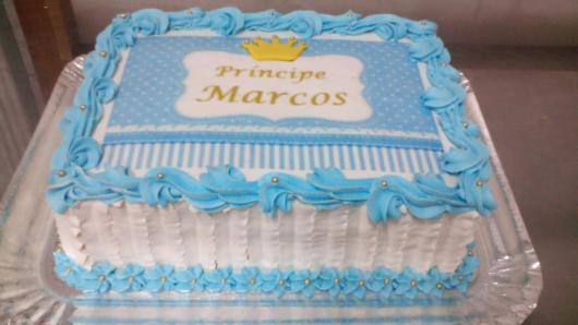 Bolo Pequeno Príncipe com papel de arroz azul e branco