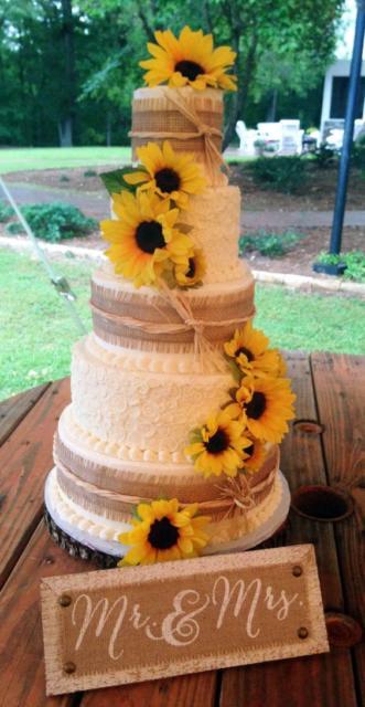 Bolo Rústico: Para casamento com girrasól