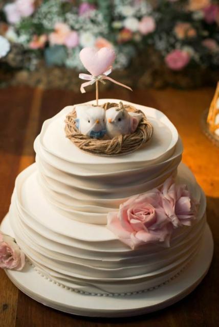 Bolo Rústico: Topo de bolo casal de passarinhos em feltro