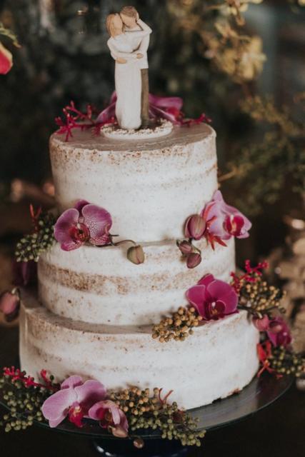 Bolo Rústico: Topo de bolo noivinhos dee resina