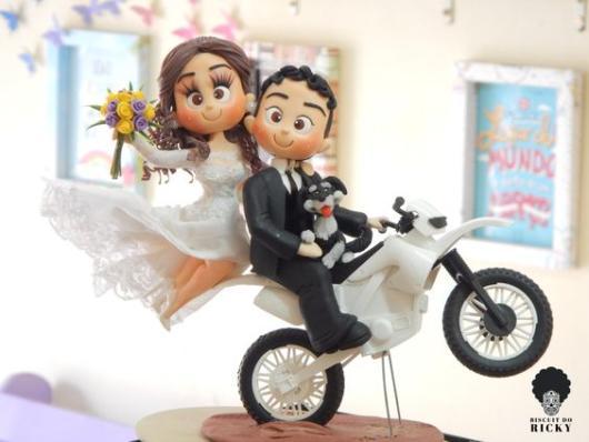 Bolo Rústico: Topo de bolo casal na moto