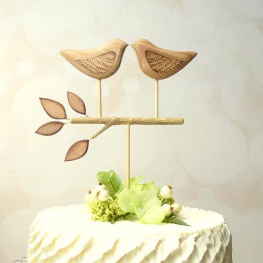 Bolo Rústico: Topo de bolo passarinhos de madeira