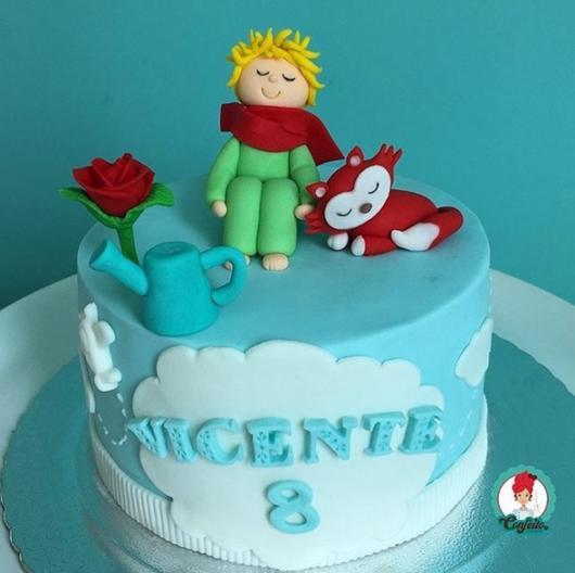 bolo azul decorado