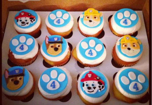 Doces Patrulha Canina: Cupcake personalizado com pasta americana