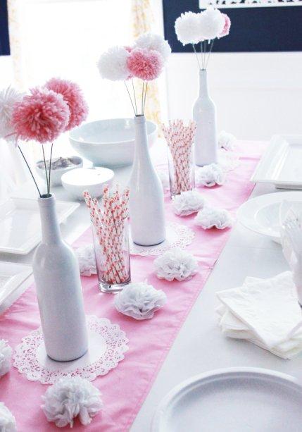 Dica de decoração simples para mesa de batizado de meninas