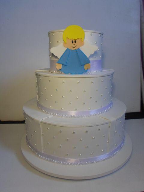 Modelo de bolo cenográfico com anjinho para batizado