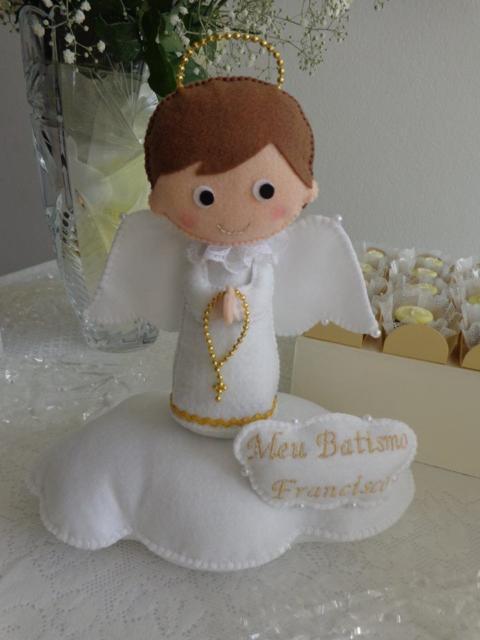 Anjinho de feltro para decorar batizados