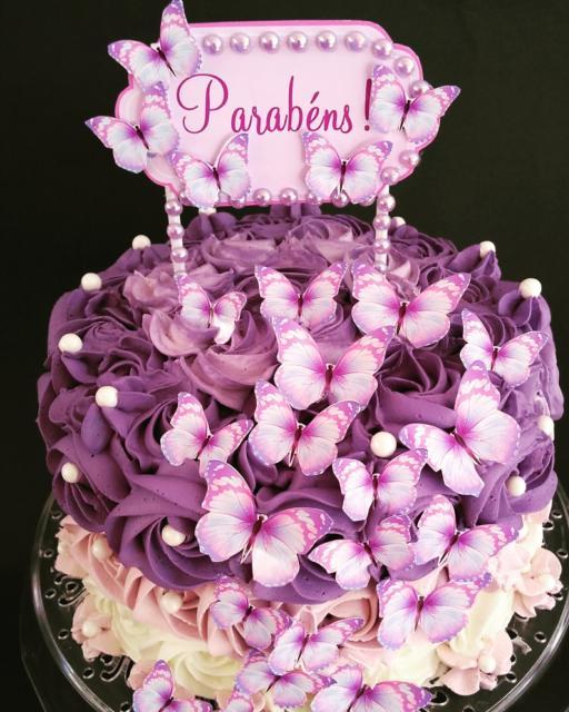Mais uma sugestão de bolo repleto de borboletas