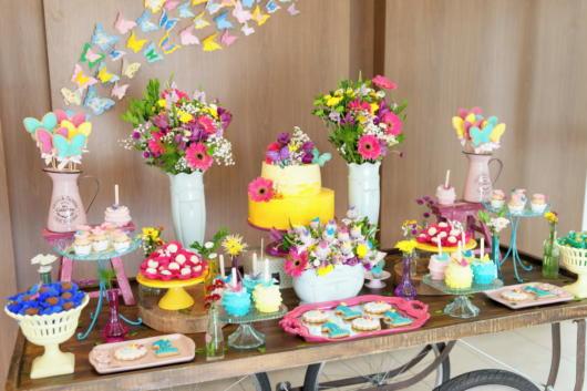 Capriche nas cores para compor uma festa borboletas