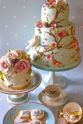 Dica de bolos decorados com borboletas e pássaros