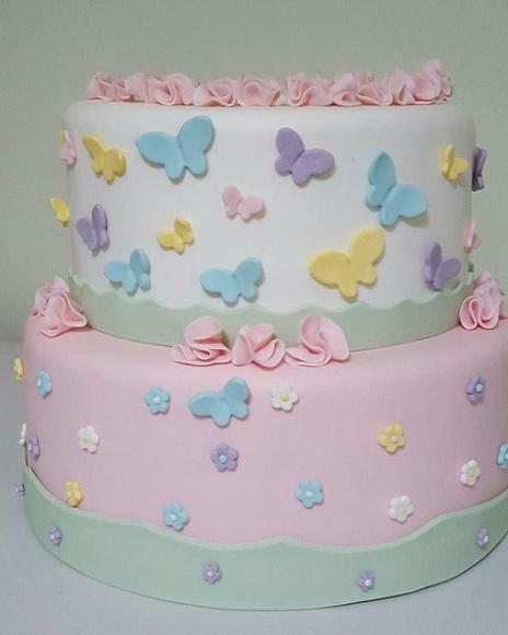 Veja ideia de bolo para festa borboletas